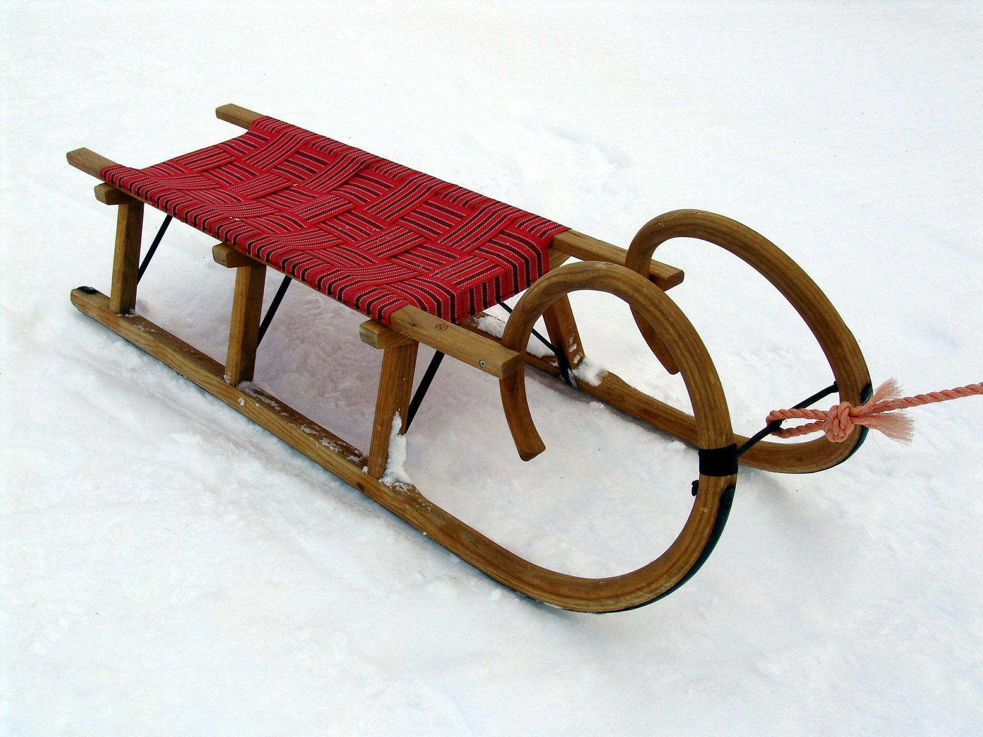 Hörnerschlitten aus Holz sind die älteste Schlittenart